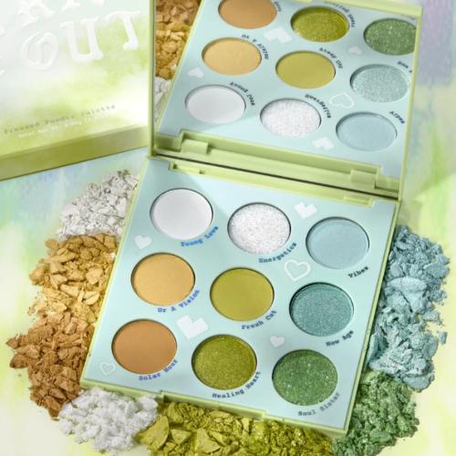 ColourPop – Aura & Out Yellow Green Eyeshadow Palette